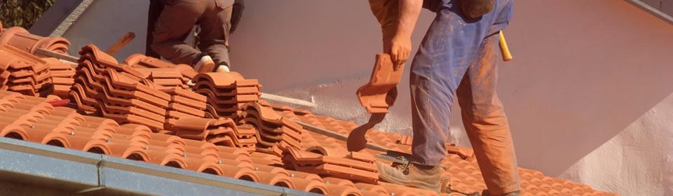 Losse dakpannen na stormschade